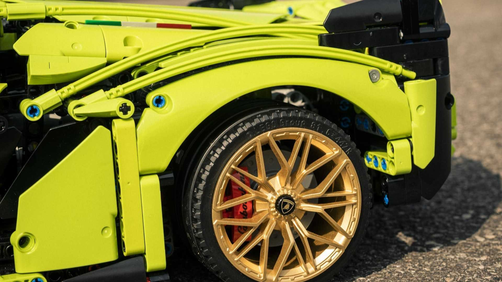 Lamborghini Sian Lego Technic (5)